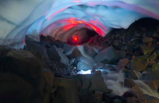 Снежные пещеры+горячие источники